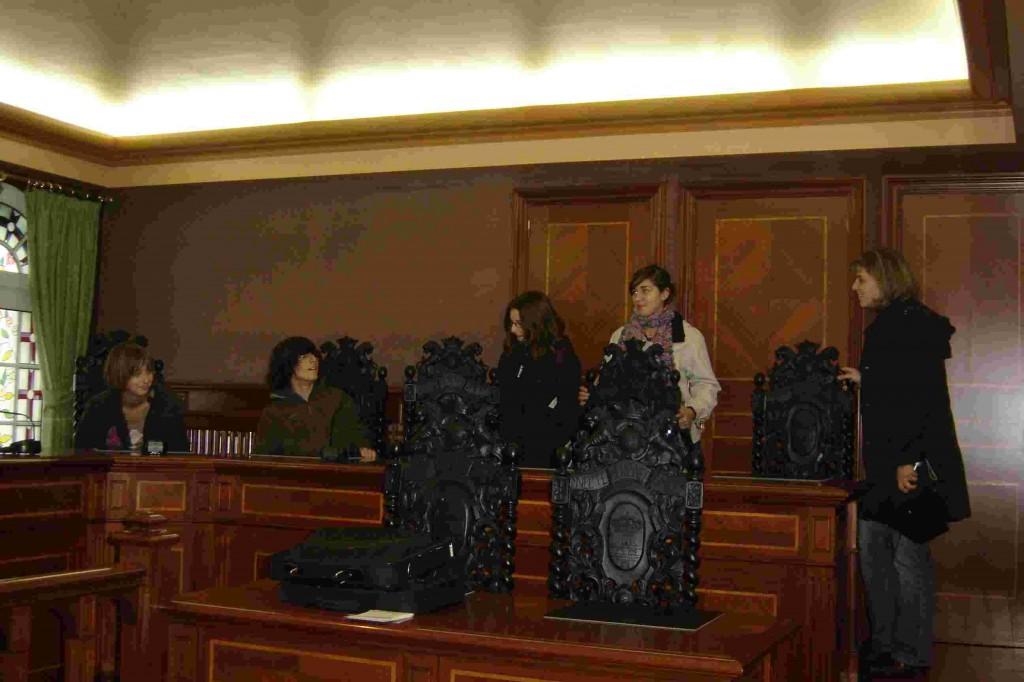 Réception à la mairie dans la superbe salle du conseil.