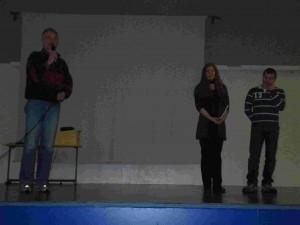 Le directeur du lycée allemand, Madlen et Vlado.