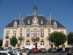 A la rencontre du patrimoine local l h tel de ville de - Office de tourisme saint jean d angely ...