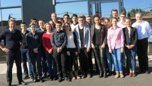 Vingt-apprentis-chimistes-de-l-academie-primes-a-Niort_image_article_large