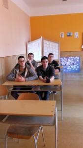 Les garçons de TECMS en classe