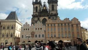 La magnifique place de la vieille ville