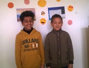 Ila et Zeïde, élèves de CM1 - CM2, médiateurs à l'école Pablo Neruda