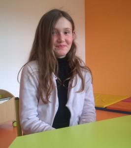 Lana, 11 ans, aide ses camarades à régler leurs différends